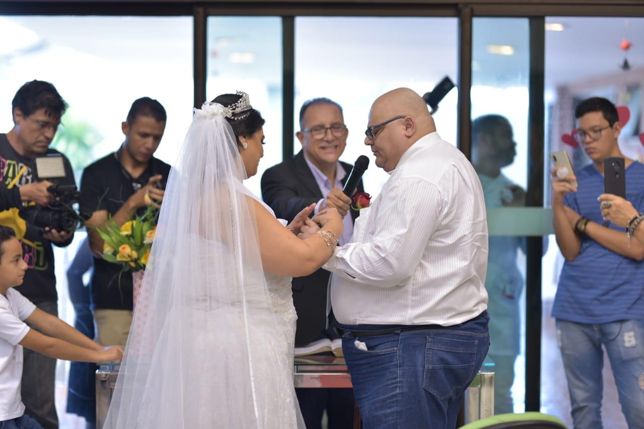 Concretizando sonhos: Hospital de Amor realiza casamento para paciente