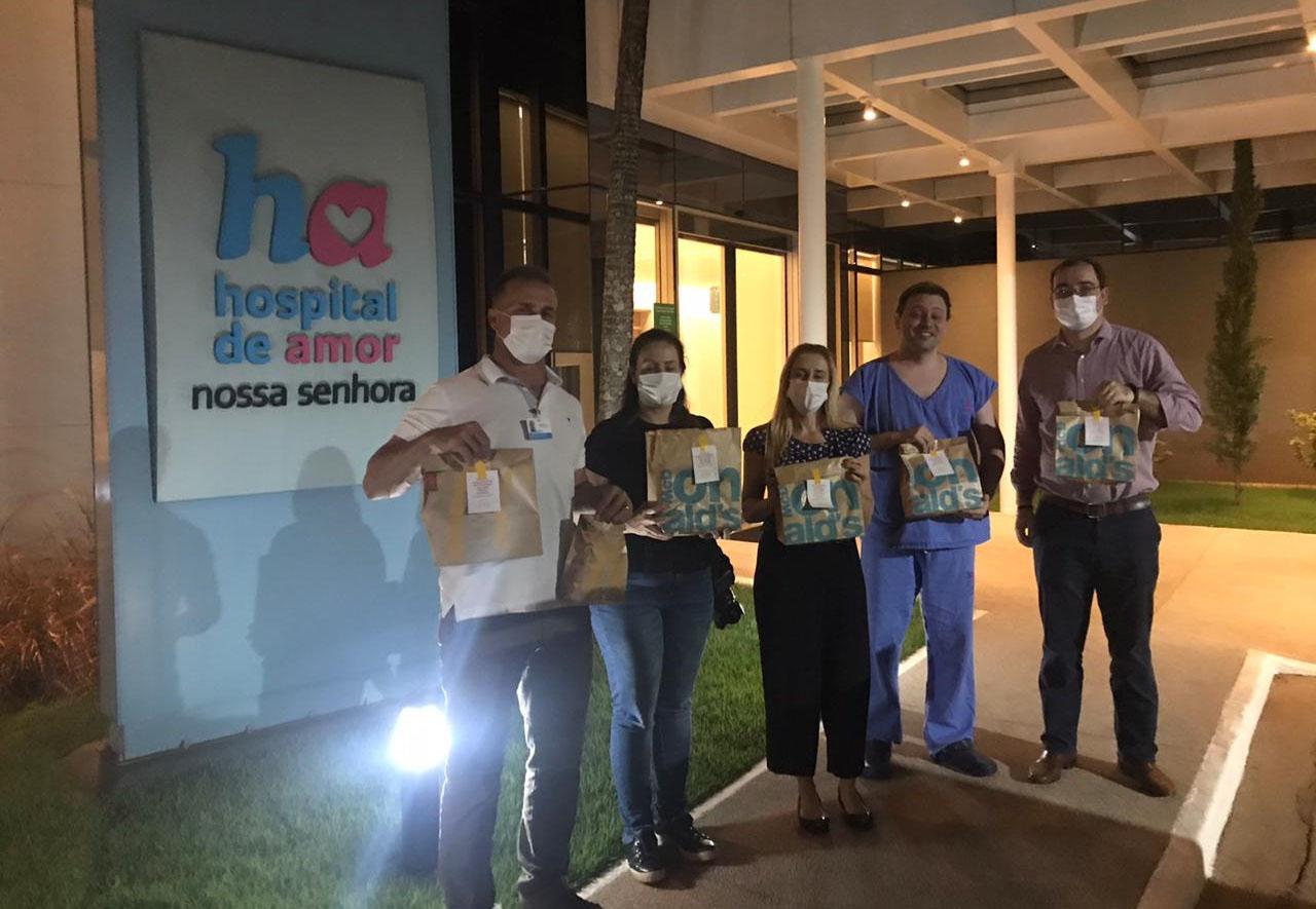 McDonald's doa combos de sanduíches para profissionais do HA na linha de frente da luta contra o COVID-19