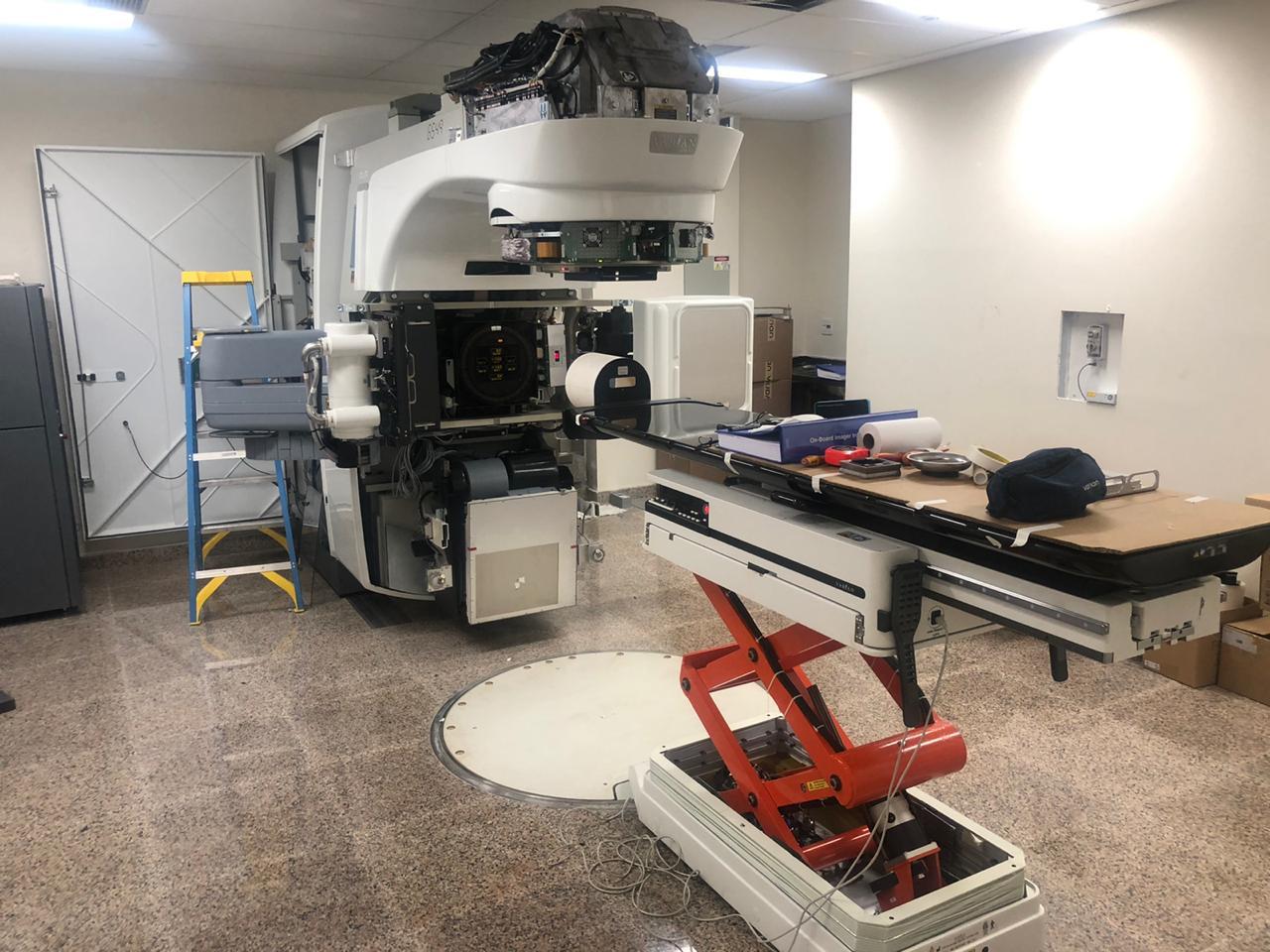 HA recebe novo aparelho que permite tratamento radioterápico com alta tecnologia